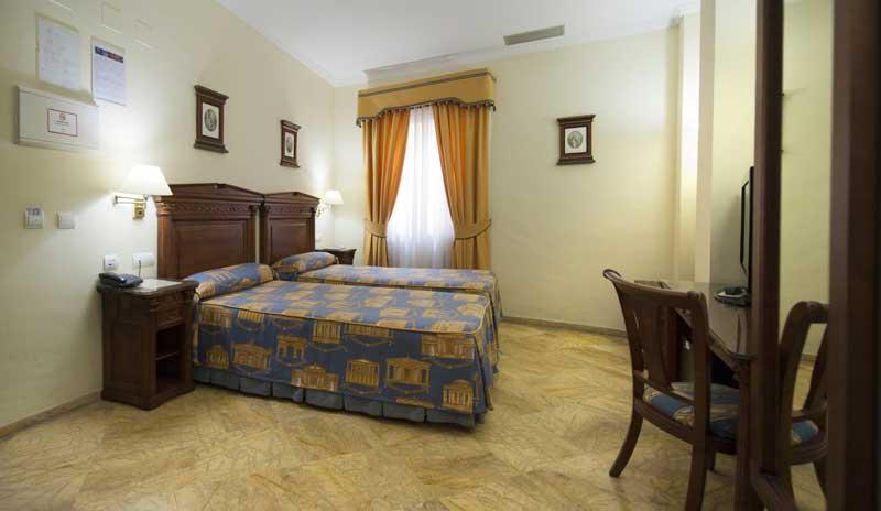 Die Standardzimmer des Hotel Sevilla