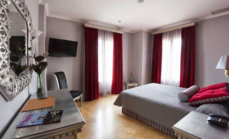 Отель в центре Севильи