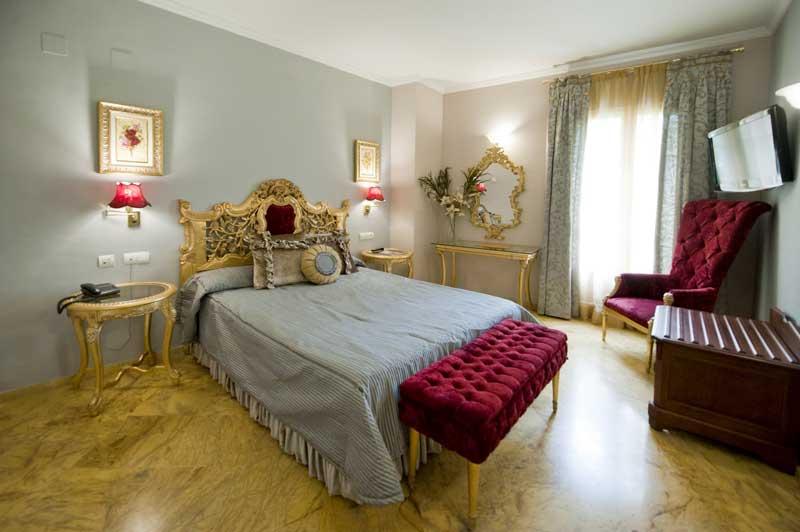 Улучшенный номер Делюкс Отель Севилья
