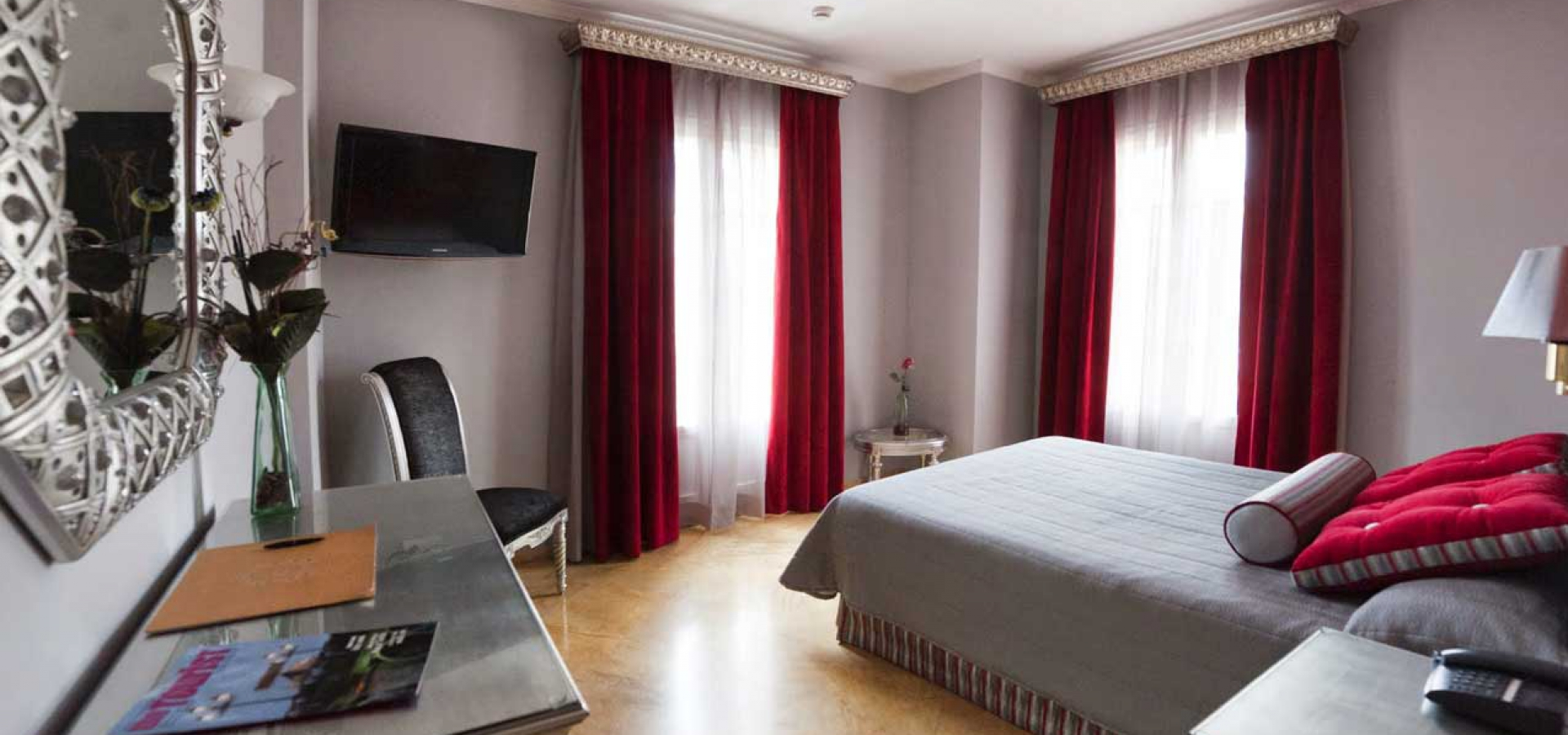 Отель в центре СевильиОтель в центре Севильи