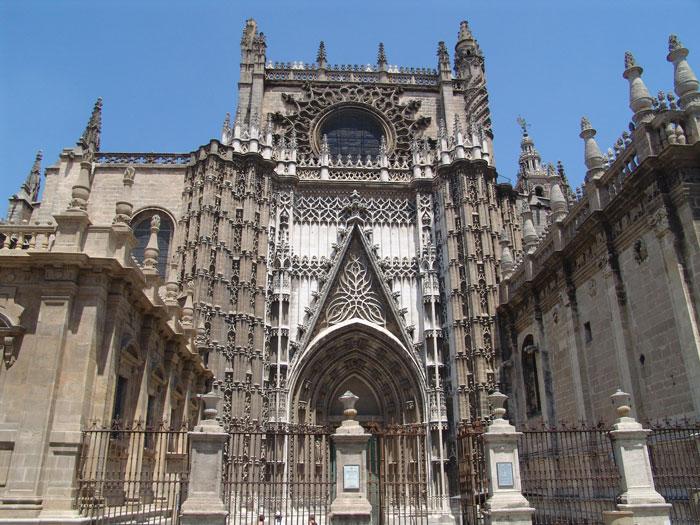 Matériaux et à proximité de la cathédrale de Séville