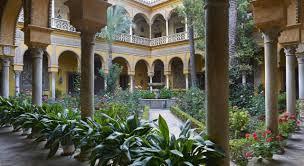 Night tours at the Dueñas Palace